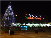 NS2776 : Clyde Square Christmas lights by Thomas Nugent
