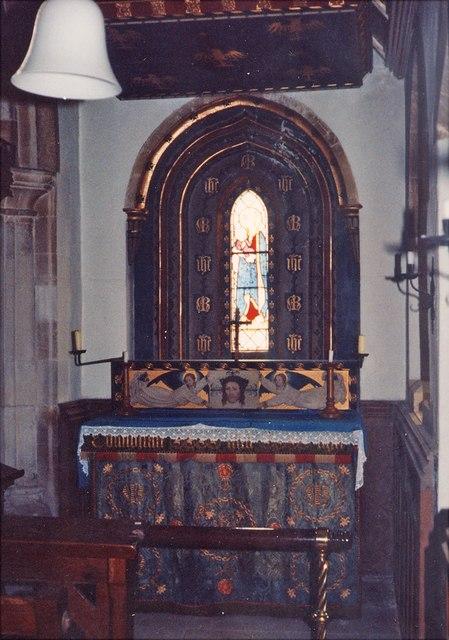 St Nicholas, Great Kimble - Altar