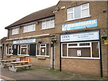 TA1431 : The Dolphin on Greenwich Avenue, Hull by Ian S