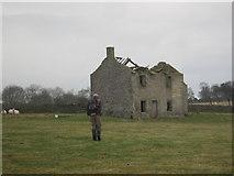 NY9569 : Ruined Farmhouse near West Wall Farm by Les Hull