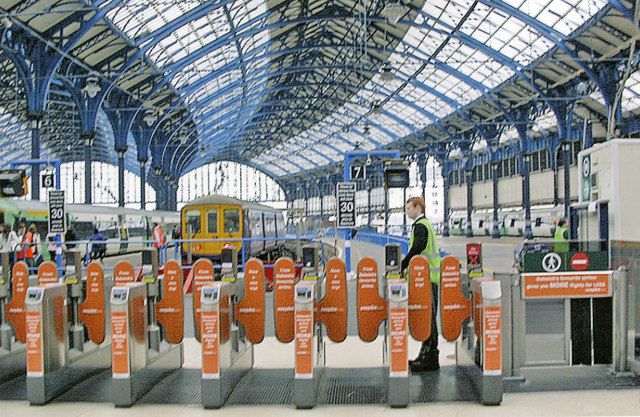 Brighton station, automatic barriers at Platforms 6-8