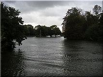 SU9079 : River Thames by Shaun Ferguson