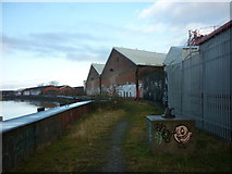 TA1031 : The path on the east side of the River Hull by Ian S