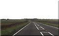 SP8023 : Long straight on A413 north of Hurdlesgrove Farm by John Firth