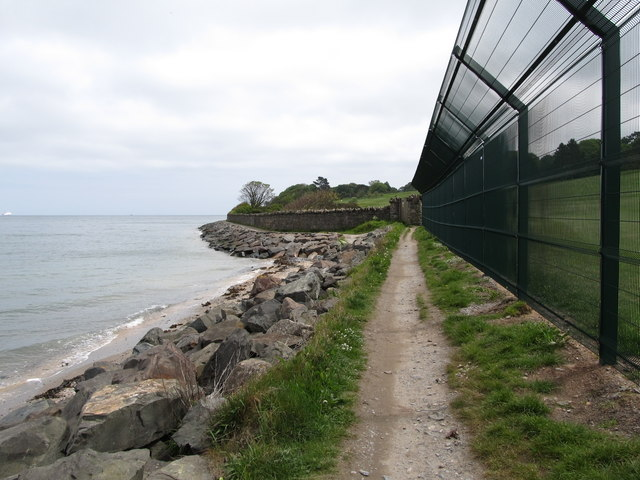 Fencing separating the North Down Coastal Path from the Royal Belfast Golf Course