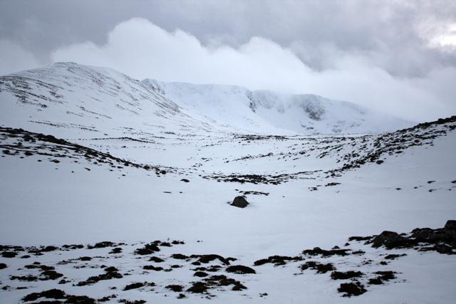 Towards Coire an Lochain