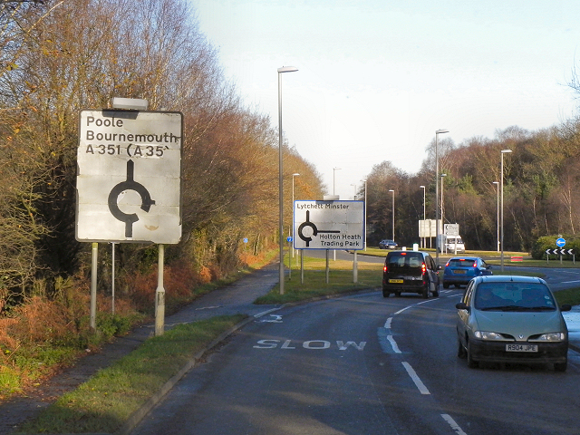 Wareham Road approaching the Blackhill Roundabout