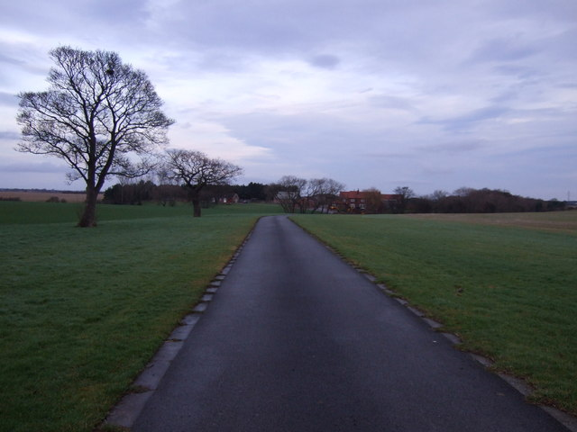 Track to Aislaby West Farm