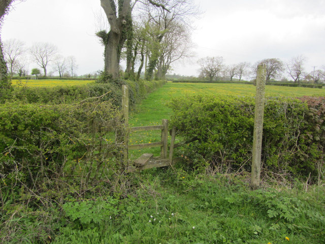 Footpath running north from Stanton Lane near Upper Mayfield