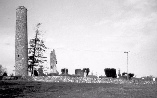 Donaghmore church and round tower near Navan
