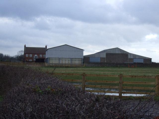 Farm buildings near Mornington Bridge