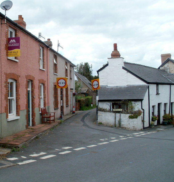 SE end of Heollas, Talgarth