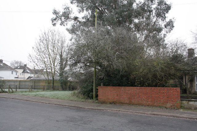 Brick parapet of bridge on Farm Road
