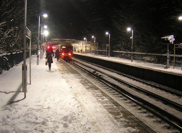 Snowy night at Sydenham Hill station