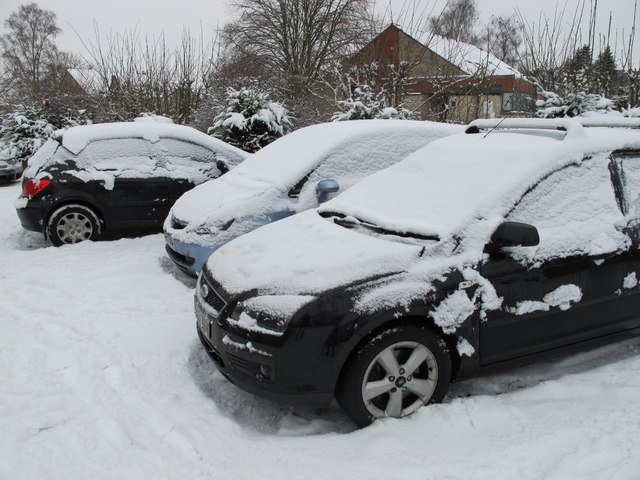 Snow on cars, Helmsley Youth Hostel