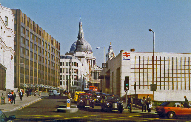 Eastward up Ludgate Hill to St Pauls, past City Thameslink station, 1994