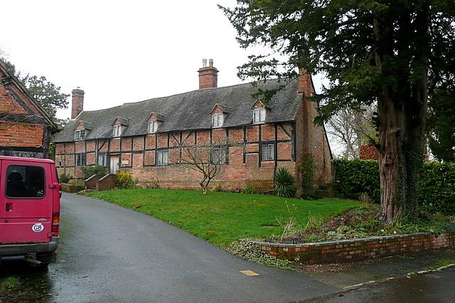 Houses in Preston on Stour