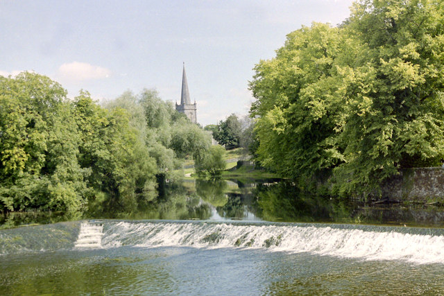 Cahir weir of River Suir