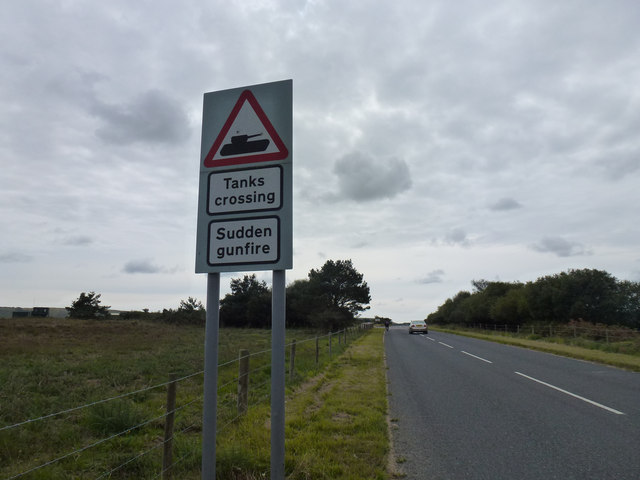 Tanks crossing and sudden gunfire signs