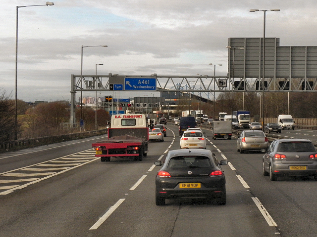 Northbound M6 between Junction 8 and Junction 9