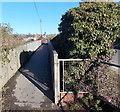 SU0681 : Railway footbridge, Royal Wootton Bassett by Jaggery