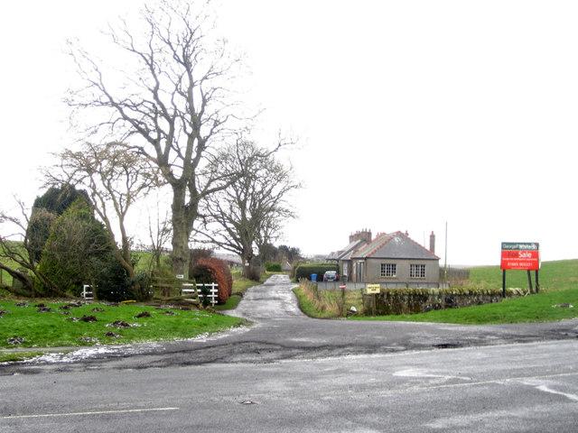 Private lane to Castle Hills Farm