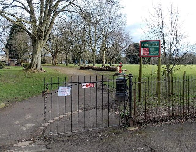 An entrance to  Bathurst Park, Lydney
