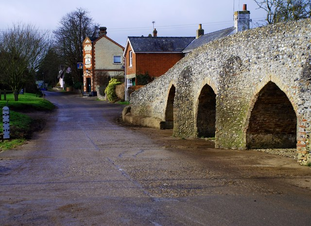 Ford and Packhorse Bridge at Moulton