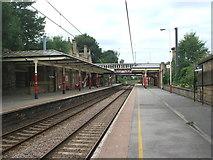 SE1039 : Bingley railway station, Yorkshire by Nigel Thompson