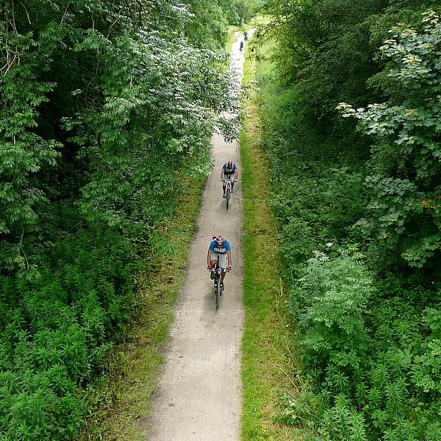 Cyclists on the Tissington Trail
