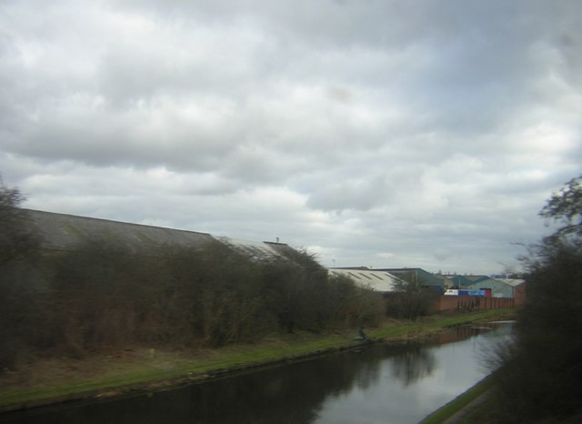 Birmingham Canal (New Main Line) from the railway