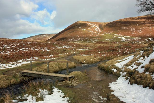 Footbridge across the stream