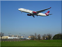 TQ0975 : Planes over Great South-West Road by Marathon
