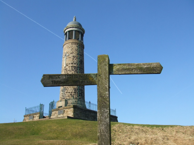 Footpath sign on Crich Stand