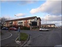 O1645 : Outside Ridgewood Green by Ian Paterson