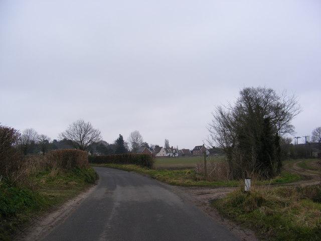 Darsham Road & Wash Lane footpath