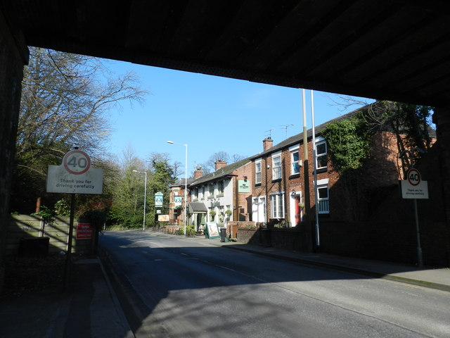 Cottages and The Ashlea pub, Manchester Road, Cheadle