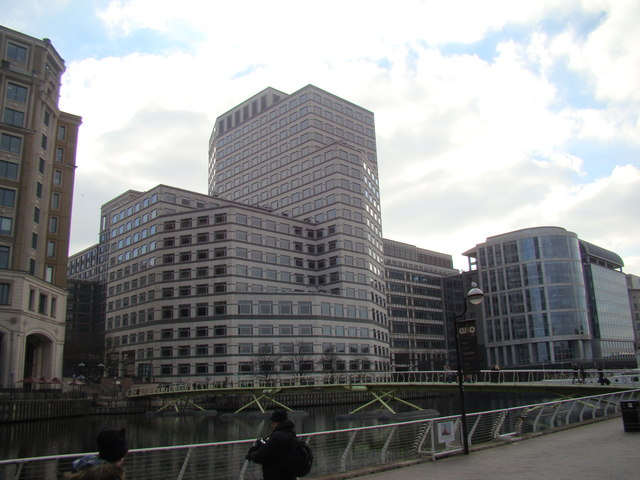 View of 1 Cabot Square from West India... © Robert Lamb :: Geograph Britain  and Ireland