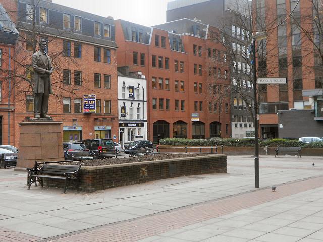 Manchester, Lincoln Square