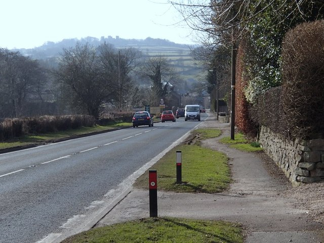 A615 into Tansley from the east