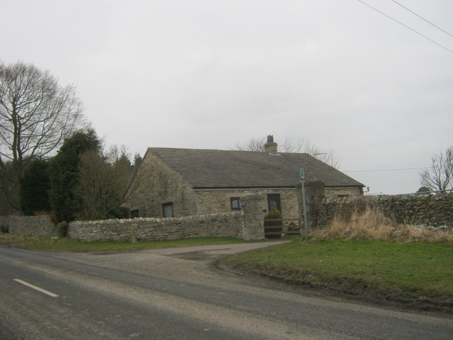 White Lodge at the entrance to Hoppyland Farm
