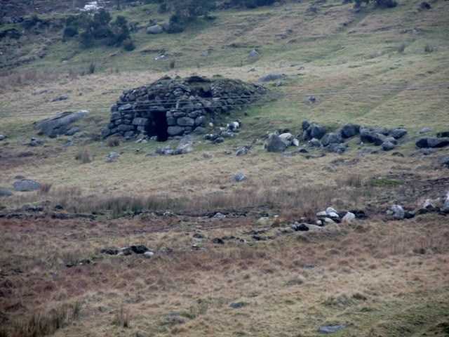 Crude shelter and abandoned lazy beds  on the western slopes of Slieve Roosley