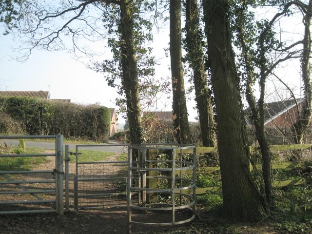Walkwood Coppice gates, Morton Lane, Redditch B97