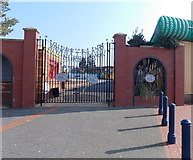 ST1166 : A gated entrance to Barry Island Pleasure Park by Jaggery