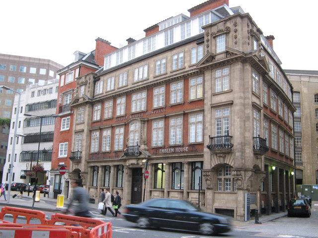 emblem house  london bridge hospital      u00a9 stephen