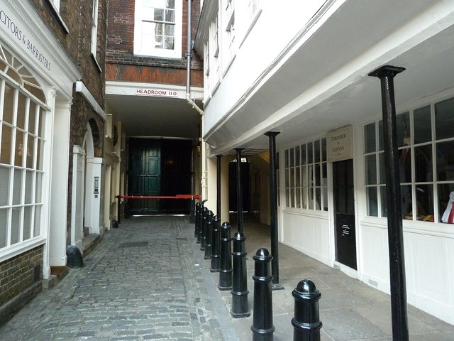 Middle Temple Lane, view northwards