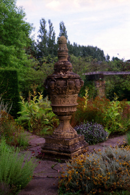 Sculpture at Winterbourne Botanic Garden, Birmingham