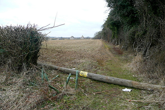 Footpath towards Limbeck Farm