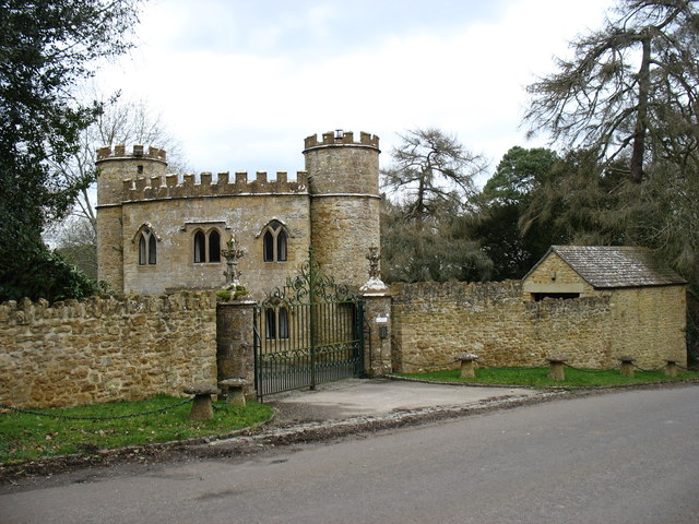A Lodge For Compton Castle 169 David Purchase Geograph