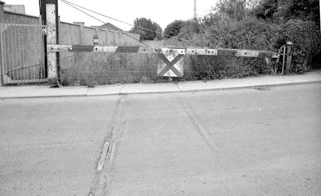 Rosbercon level crossing, New Ross (1999-1)
